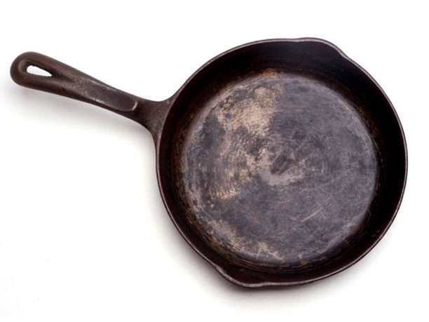Clean a Cast-Iron Pan