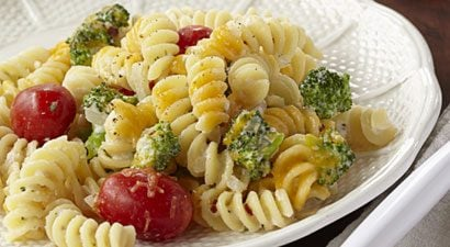 Macaroni and Cheese with Broccoli and Cherry Tomatoes