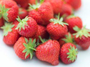5 Ways to Choose the Best Berries