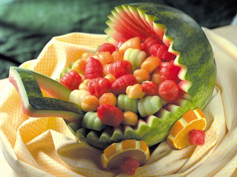 8 Spectacular Watermelon Carving Ideas | Reader\'s Digest
