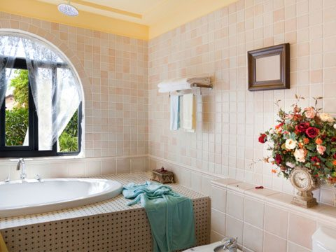 5. Hanging pictures in areas of high humidity, or extreme changes in humidity, such as kitchens and steamy bathrooms.