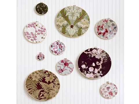 Fabric scraps on embroidery hoops.