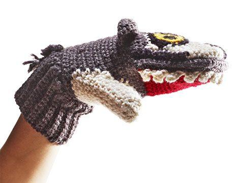 holiday gift guide, Predator vs Prey animal mittens