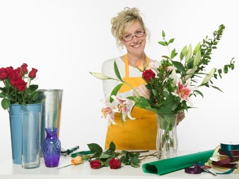 florist secrets arranging flowers