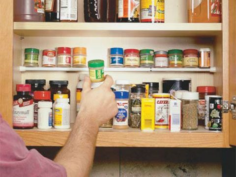 pantry and cabinet organization tips, spice cabinet