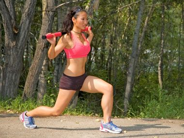 1-minute fat releasing workouts lunge