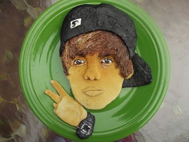 Funny Celebrity Lookalikes in Pancakes | Reader's Digest