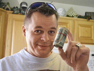 Find a stash of cash, then return it