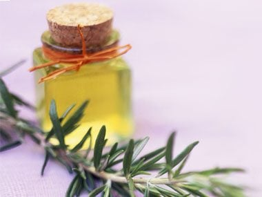 sniff your way sharp, rosemary oil