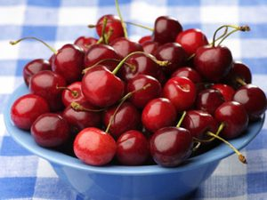 foods that fight sun damage, cherries