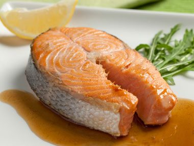 foods that fight sun damage, salmon