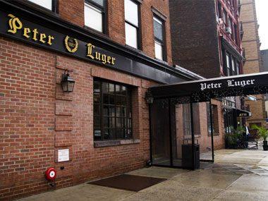 touristy restaurants, Peter Luger