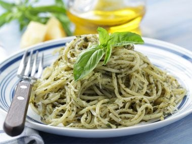 vacation cooking made easy, pesto pasta