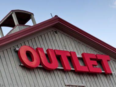 more sales clerk secrets, outlet store