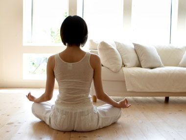 6 Compelling Benefits of Meditation, According to Science