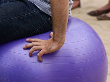 sneak in workout, exercise ball