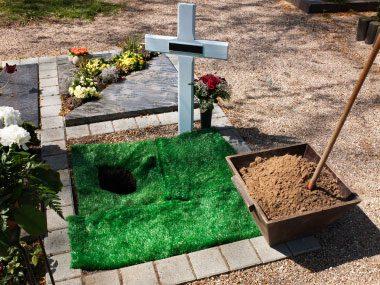 13-unusual-international-customs-02-funeral-sl.jpg