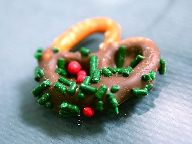 homemade gift ideas, chocolate covered pretzel