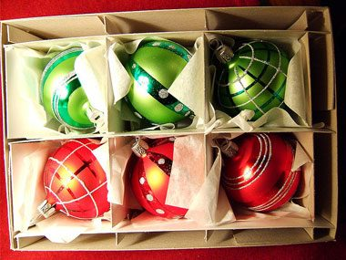 ornament storage tips, dividers