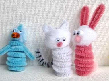 Pipecleaner Finger Puppets