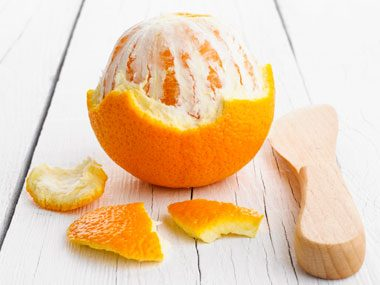 Orange peel naturally cleans water spots