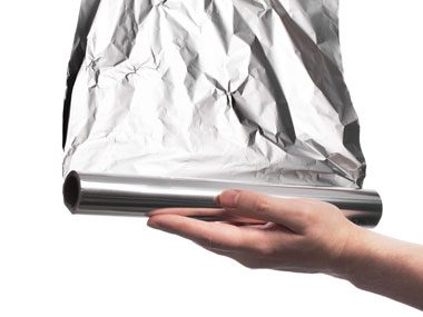 Aluminum foil naturally cleans silver
