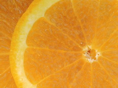 Food myth: Vitamin C can keep you from catching a cold.