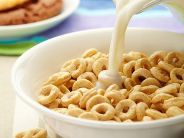 "7 Sneaky Ways ""Healthy"" Cereal Makes You Fat 