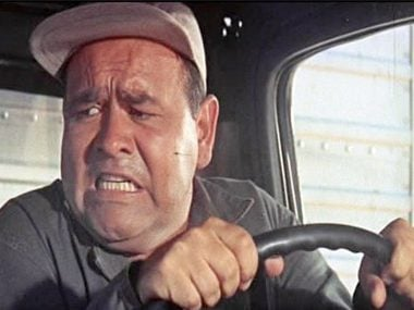 Jonathan Winters gas station scene from It's A Mad, Mad, Mad, Mad World