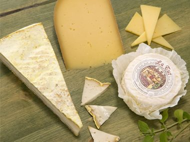Eating cheese and fermented dairy products may help reduce the risk of diabetes.