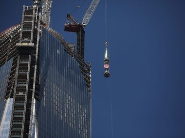 Lifting spire to Freedom Tower