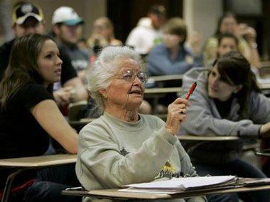 Nola Ochs: A great-grandma earns a master's