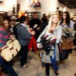 How to Avoid Online Holiday Shopping Pitfalls