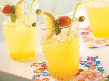 Sunny Orange Lemonade!