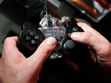 Video games sharpen doctors' skills.
