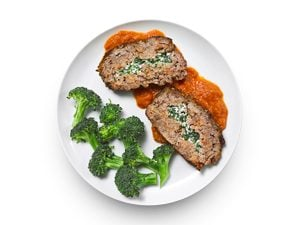 Spinach-Stuffed Meat Loaf