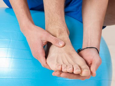 Use tea tree oil to relieve athlete's foot