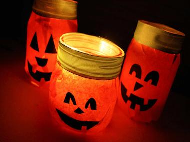 diy scary halloween window decorations