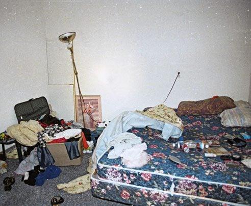 slave-in-the-garage-02-af