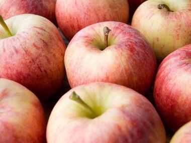 Health Benefit: Apples prevent colon cancer.