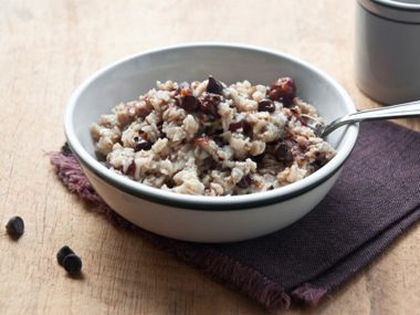Oatmeal with cocoa powder