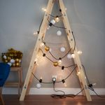 20 Wacky Ways to Decorate Your Christmas Tree