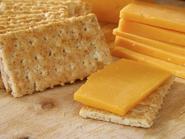 What's the serving size for sliced cheese?