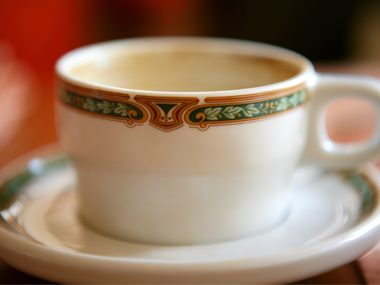 Baking soda removes coffee stains on fine china.