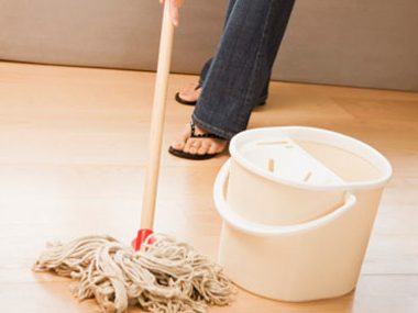spring-cleaning-mop-wood-floors