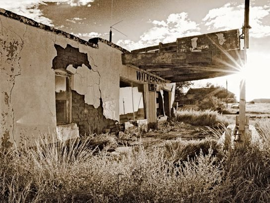 abandoned shop in new mexico
