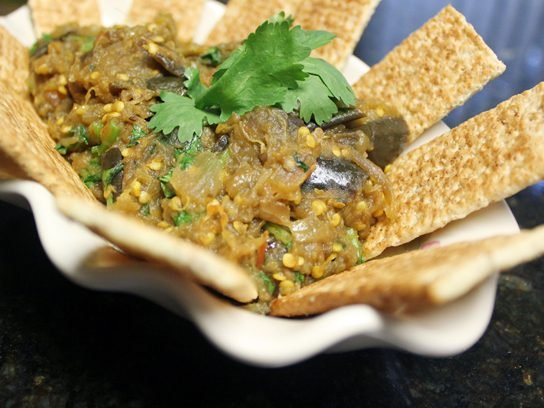 eggplant dip with crackers