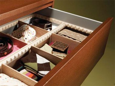 Bedroom organization tips: Divide your drawers.