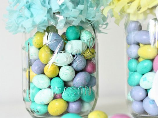 Convert a Mason Jar into an Easter Basket