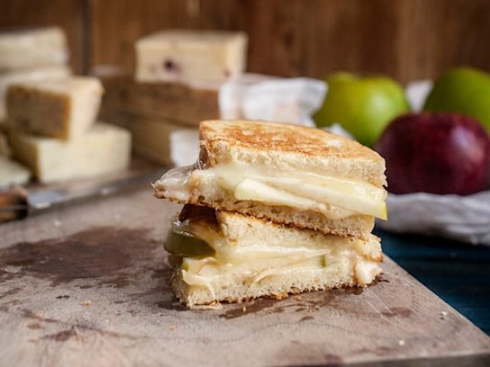 Smoked Cheddar Grilled Cheese with Granny Smith Apple